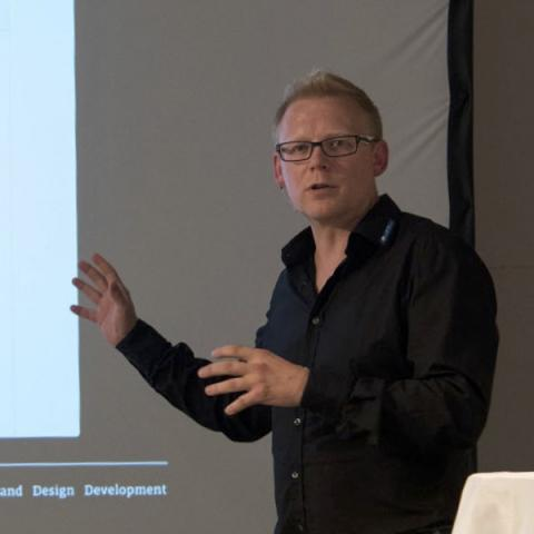 Markus Greve auf der Port 4: »Connected Everything« Schnittstellen, SmartHome, API